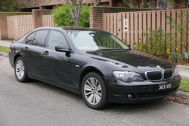 640px-2006_BMW_730d_(E65)_sedan_(2015-07-09)_01