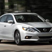 Working the Middle: 2016 Nissan Altima 2.5 Automatic Test