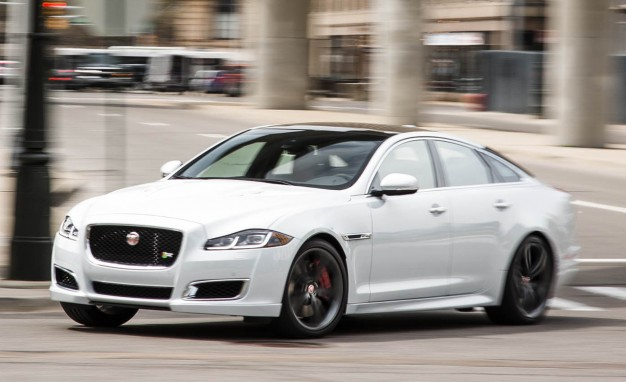 2016-Jaguar-XJR-PLACEMENT