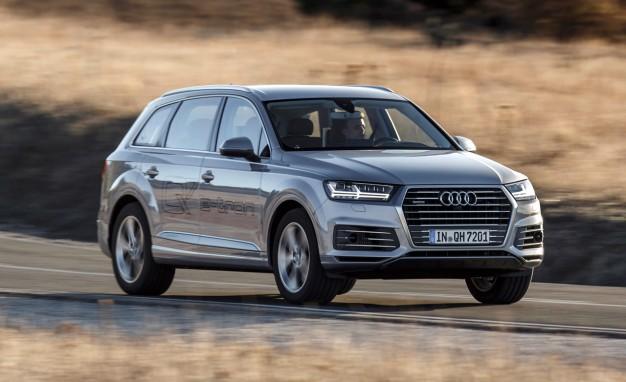 2017-Audi-Q7-e-tron-PLACEMENT