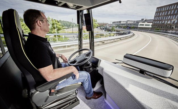 Mercedes-Benz Future Bus with driver