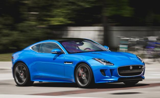 2017-Jaguar-F-type-S-coupe-PLACEMENT