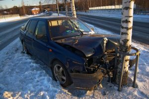 640px-crashed_car_in_siilinjarvi