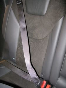 Ford_Mondeo_5_inflatable_rear_seat_belt