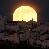 Supermoon and hunter's moon combine for 'spectacular' view this weekend