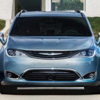 Chrysler will debut a fully electric Pacifica at CES
