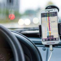 6 Numbers Every Driver Should Store On Their Cellphone