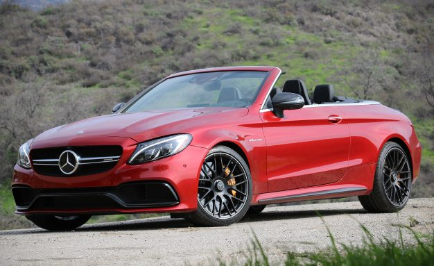 2017-Mercedes-AMG-C63-cabriolet-PLACEMENT
