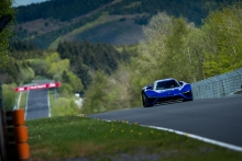 NIO EP9 Breaks The Nurburgring Nordschleife Lap Record