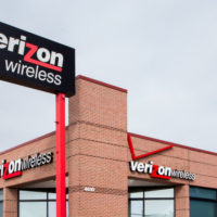 Verizon outbids AT&T for company with wireless spectrum for self-driving cars